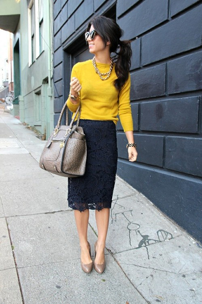 office-black-skirt-and-yellow-blouse-office-look