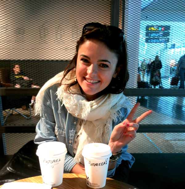 starbucks-travelling-girl-fashion-blog-in-denim-shirt-and-nice-scarf