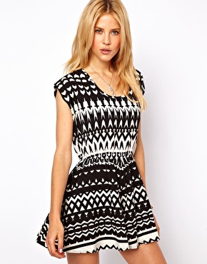 Asos summer trend in black and white