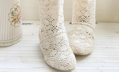 lace-ugly-summer-boots