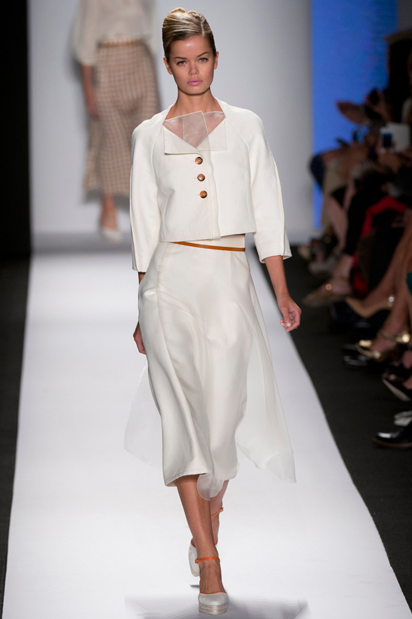 Carolina Herrera elegant white suit