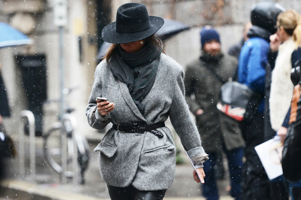 Cool grey coat and a belt with a black hat