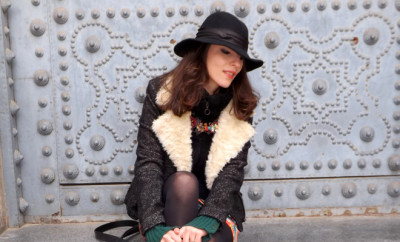 hat winter chic look with black jacket