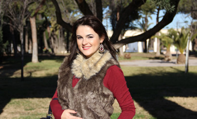personalized style- fur-vest-earrings-casual-look-style-blog
