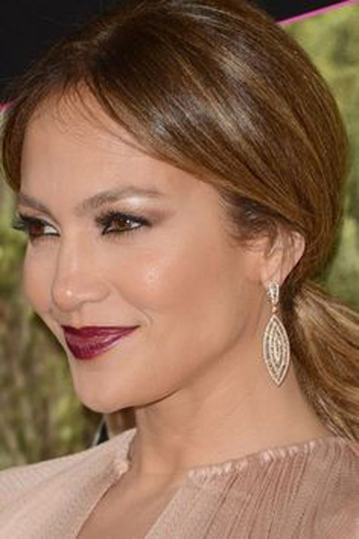 Jennifer Lopez ponytail, perfect for the office