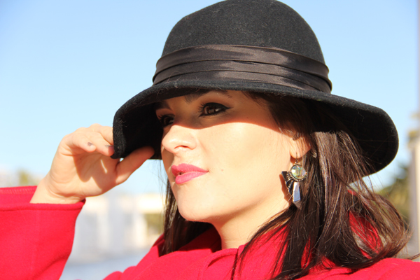 style advisor great-black-hat-and-earrings-