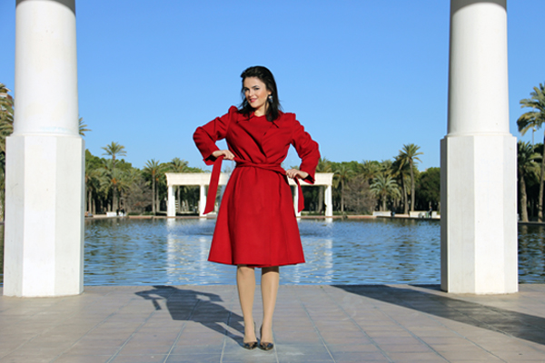 style advisor personalized advice to women fashion in red-blazer-and-silver-trendy-shoes