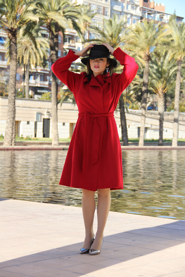 style-advisor-in-red-coat-and-silver-shoes-trends-of-this-year