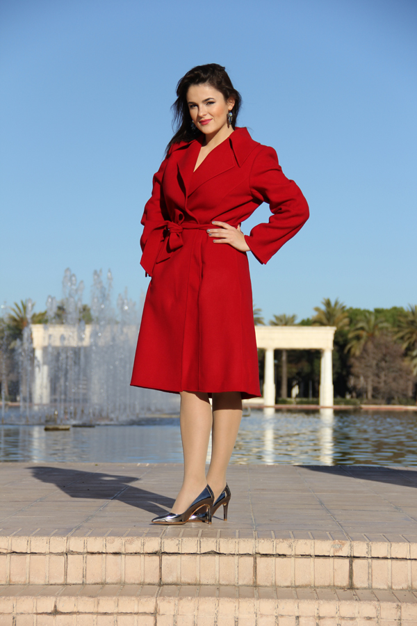 style-advisor-in-red-coat-and-silver-shoes-women-wear-