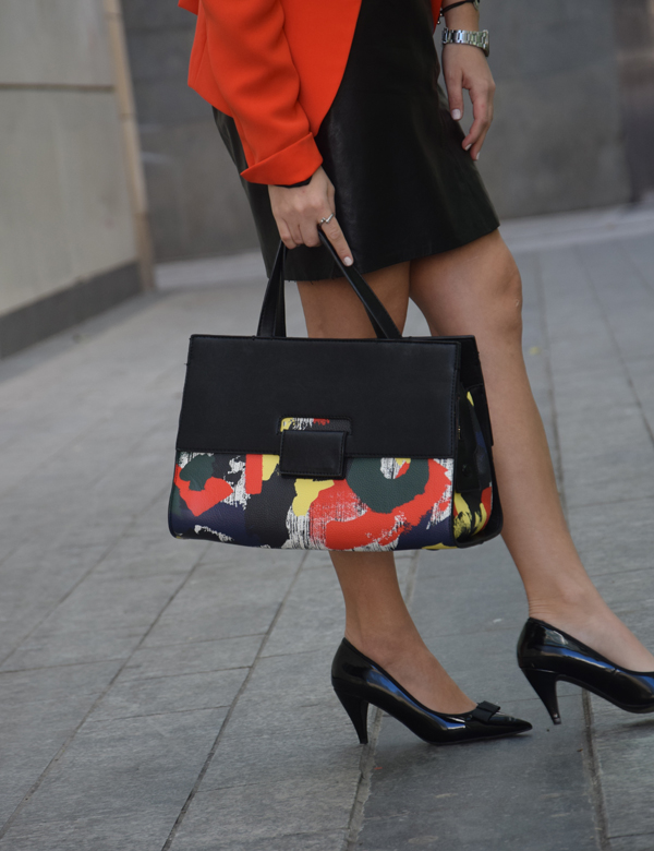 Fashion tips for women: Handbag colors, black office work fashion