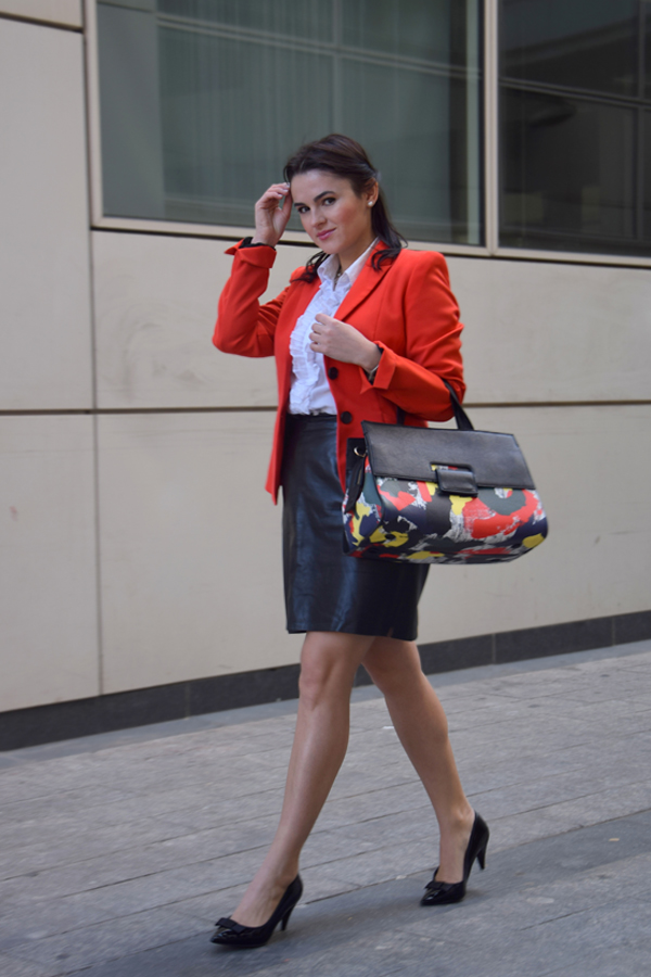 Looks for office: Leather skirt, white shirt and red bag