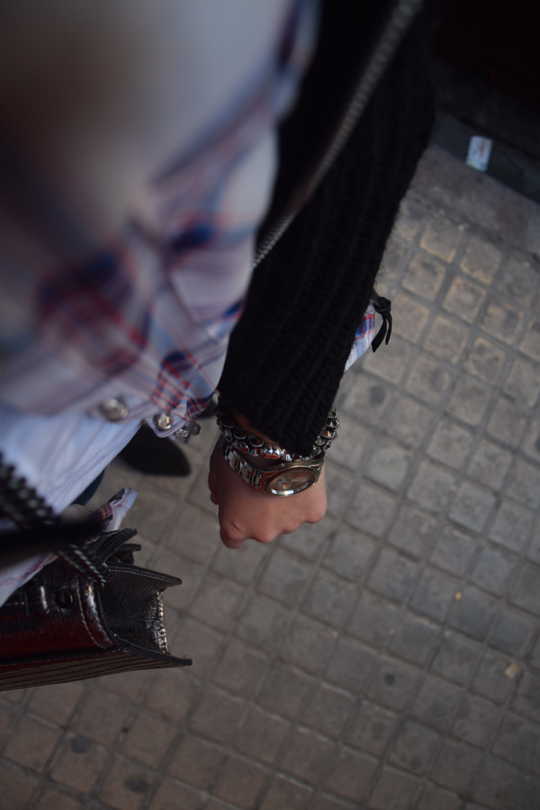 Plaid and accessories for festival and concert