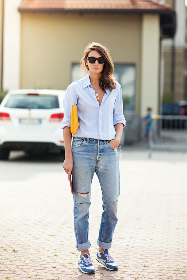 Light blue jeans outfit women