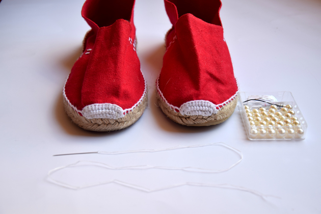 diy-project-espadrilles-chanel-with-pearls