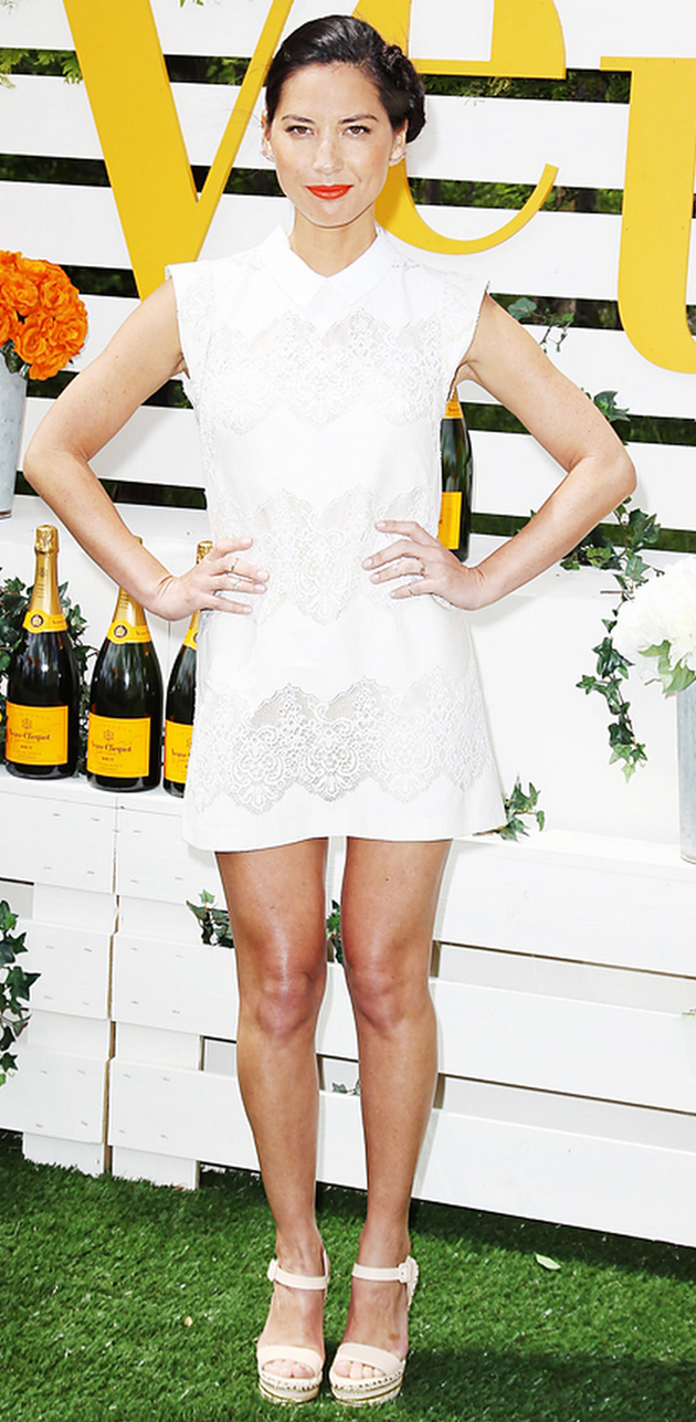olivia munn in white dress with wedges in a very casual look