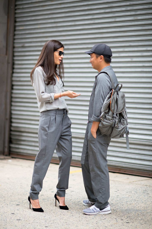 street style women wearing only grey clothes.