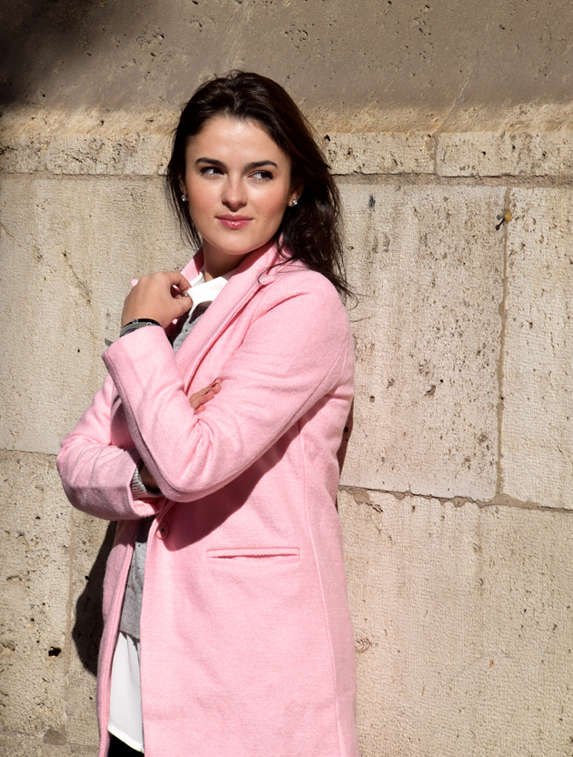 winter-look-with-pink-coat