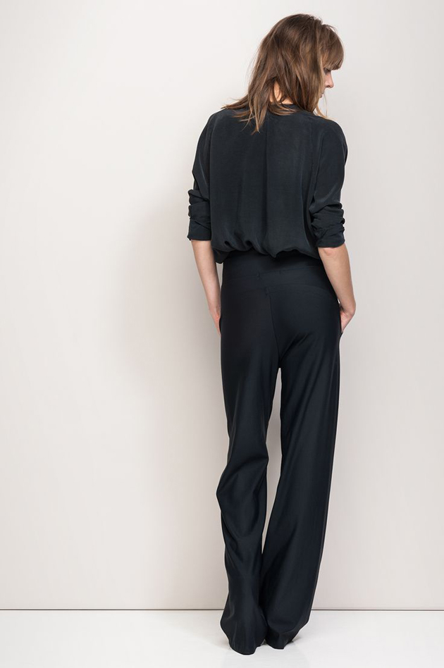 black-suit-for-young-ladies