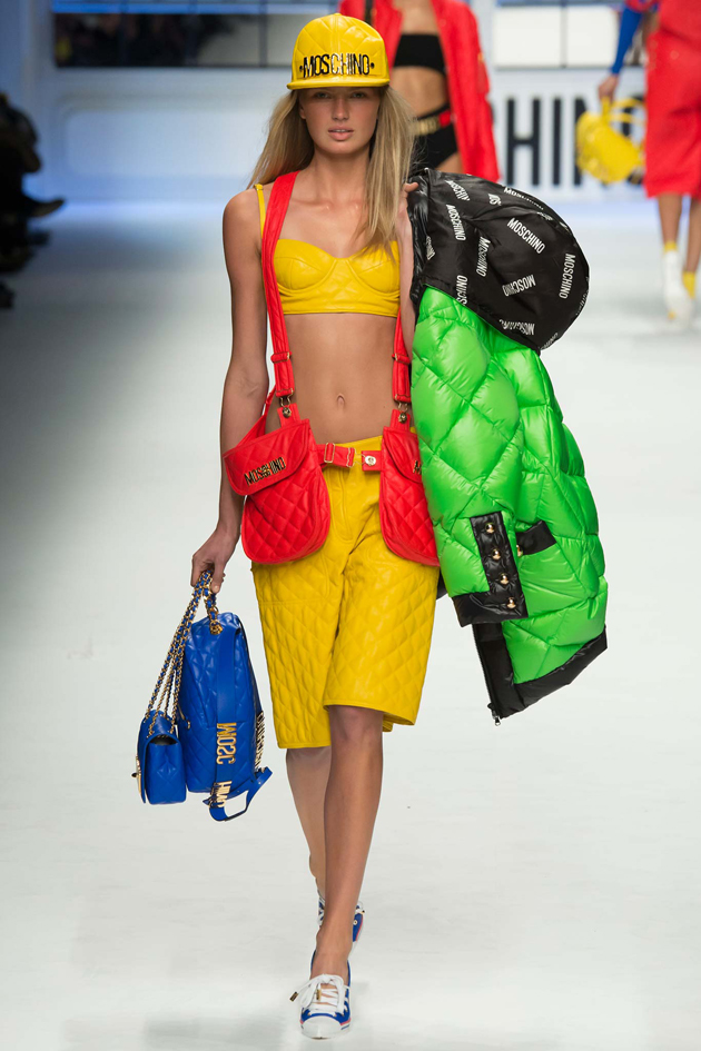 moschino-bags-in-red-and-blue