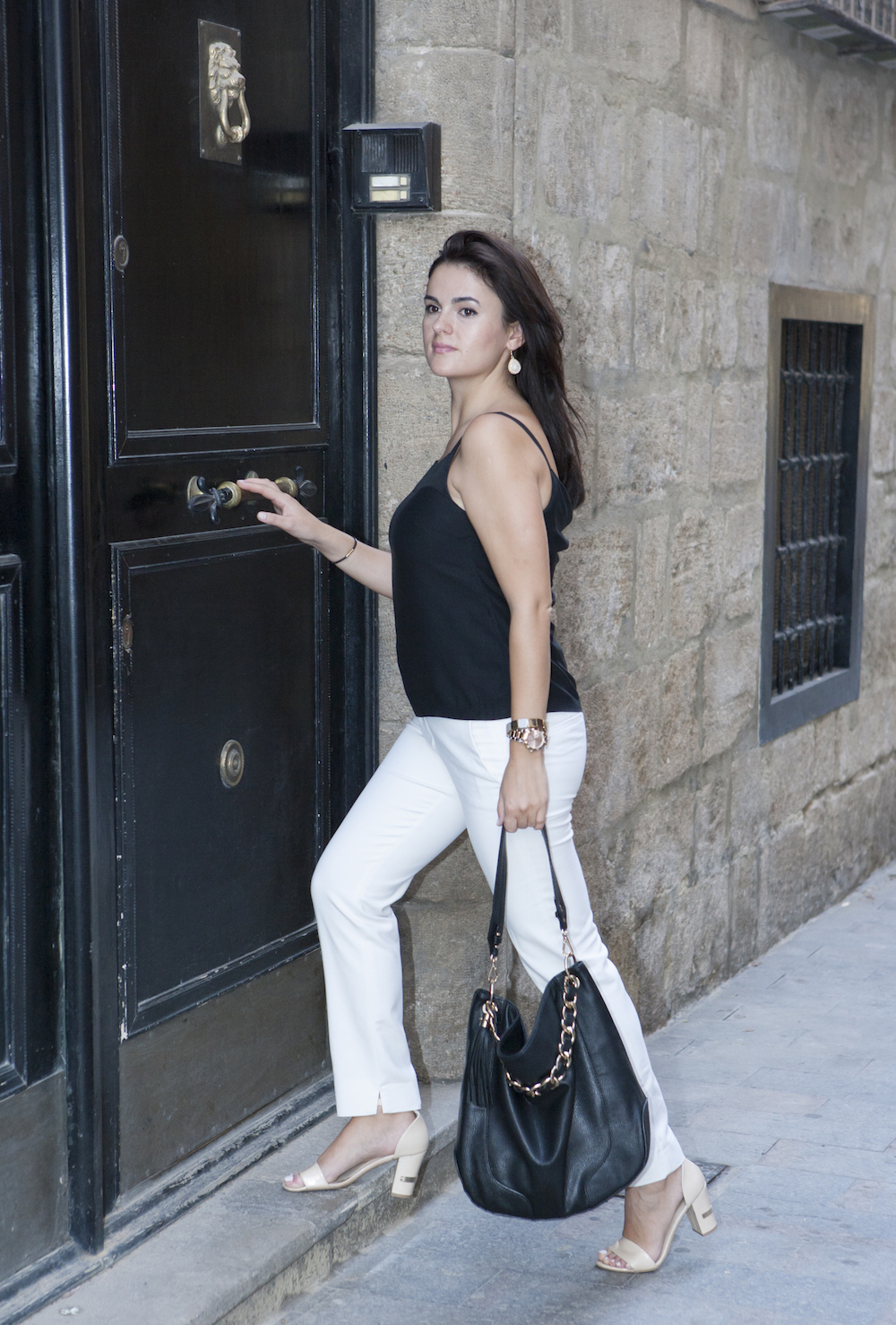 white pants for corporate look in summer