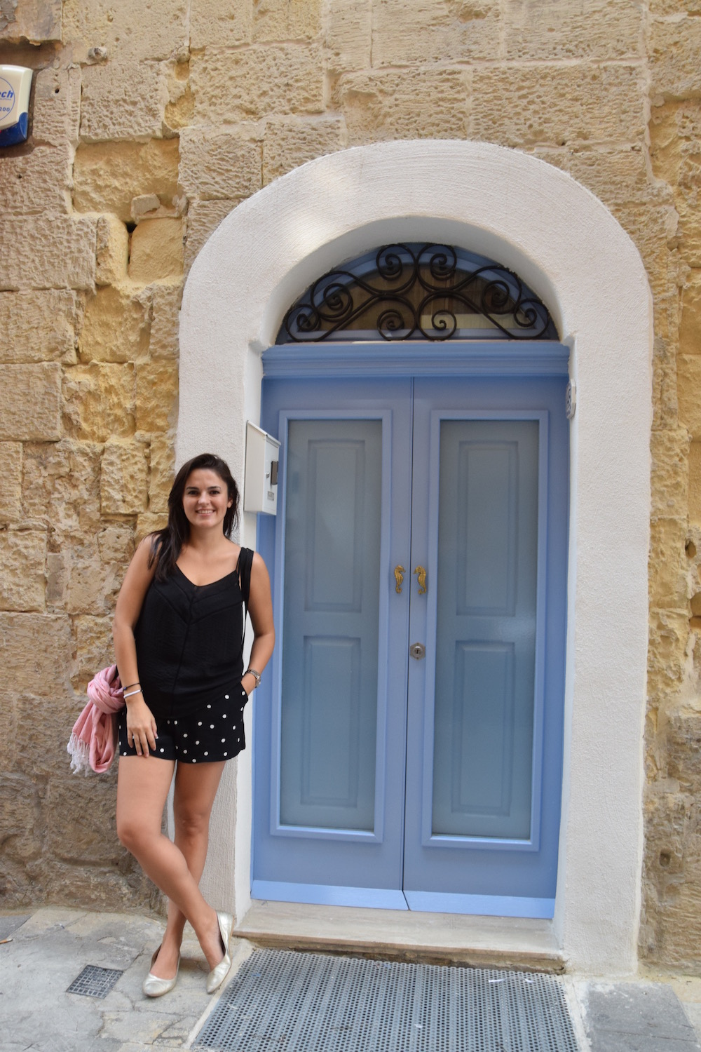 summer outfit traveling Malta