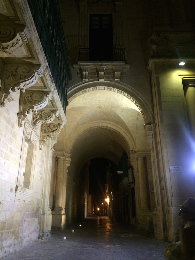 valletta in the night
