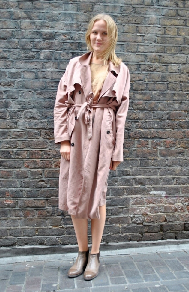 how to wear trench and look great