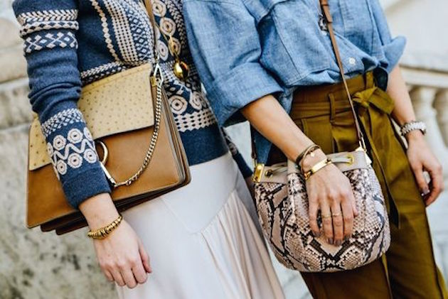 fashion bloggers with trendy and stylish bags