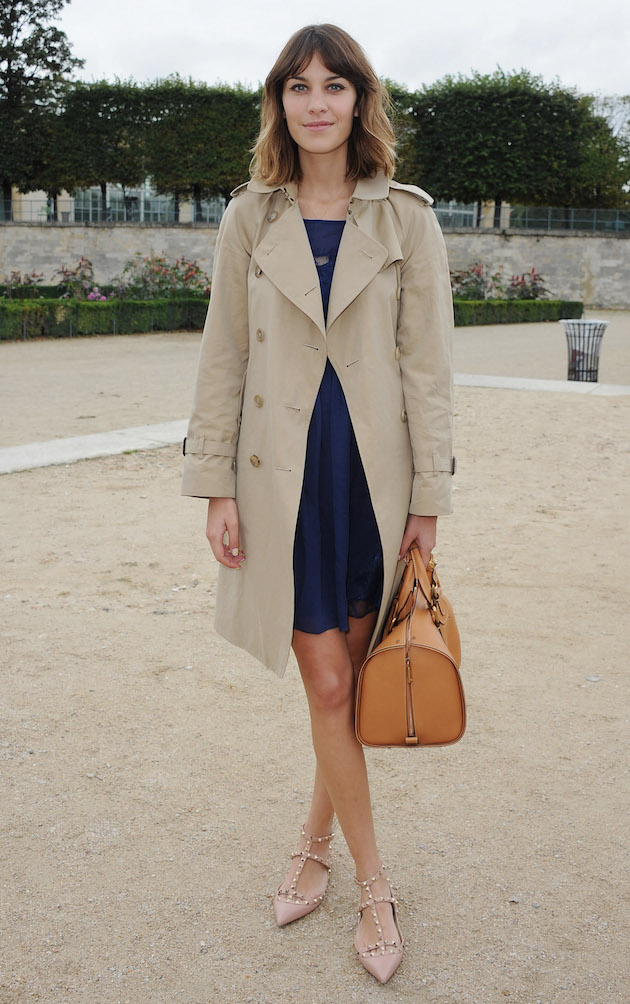 Alexa Chung in a trench from burberry