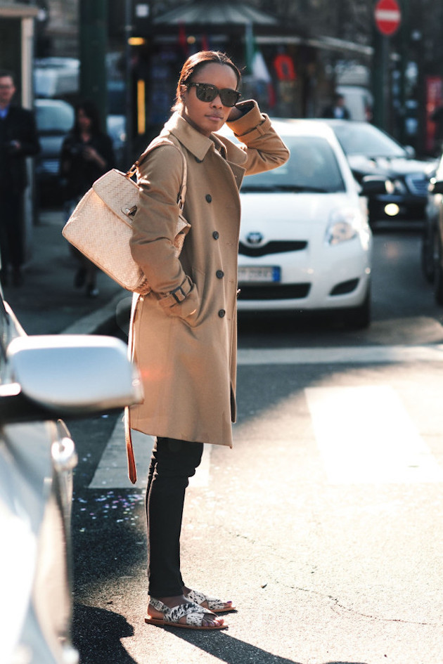 how to wear trench