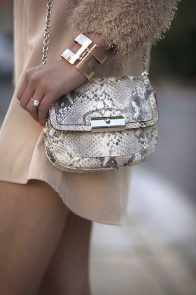 mini handbag in python outfit fashion blogger