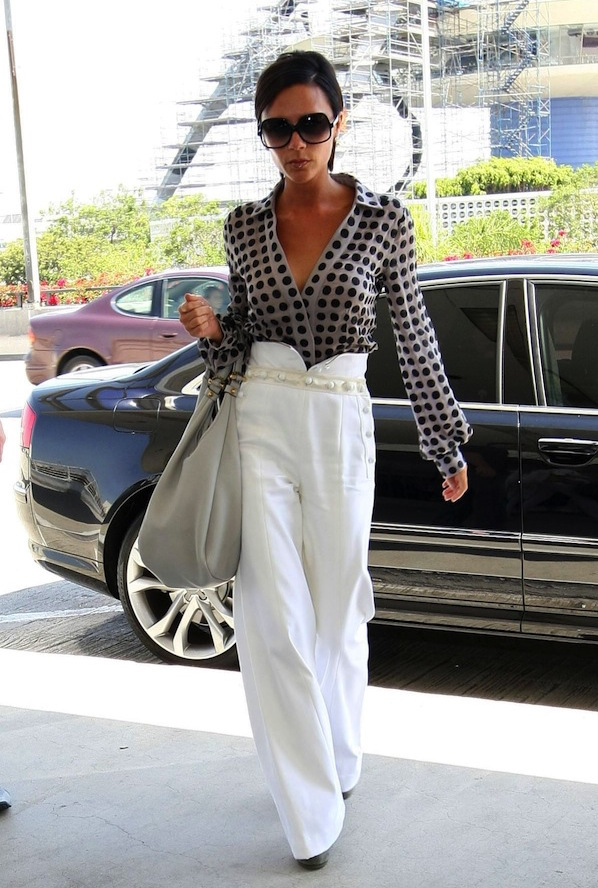 Victoria-Beckham-in-white-pants-office-style