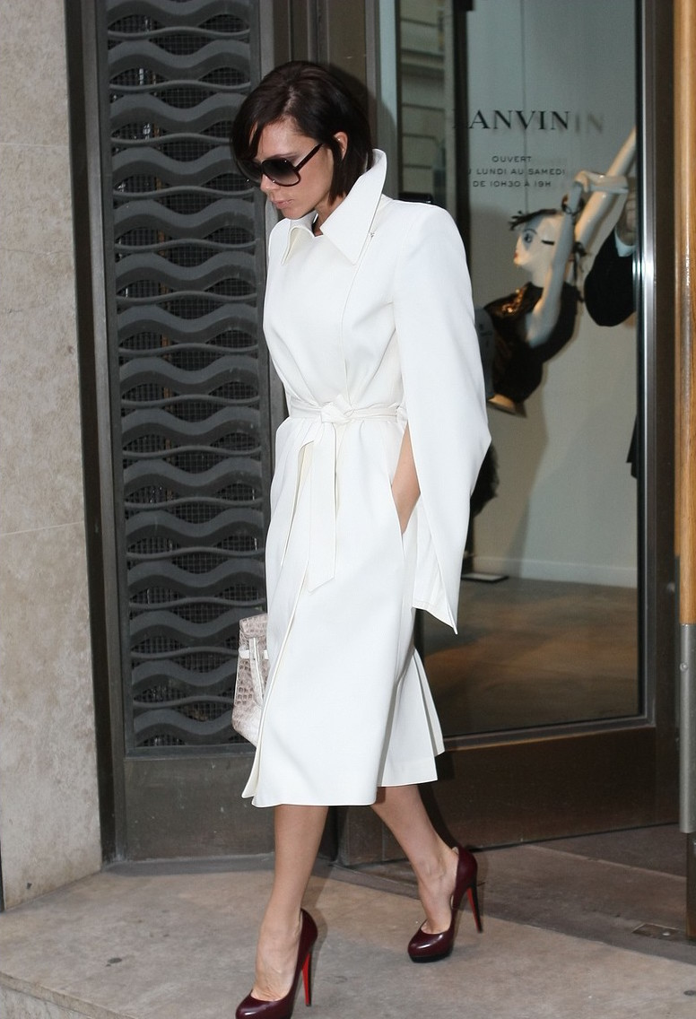 victoria-beckham all white in paris