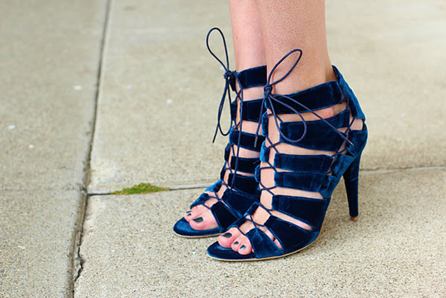 blue-velvet-shoes