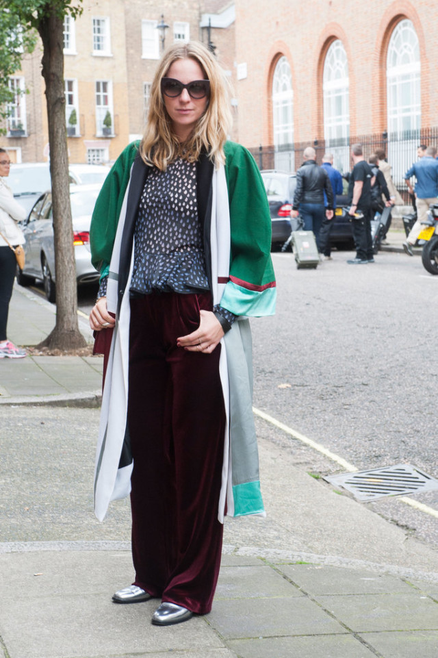 burgundy-velvet-pants-printed-blouse-collarblock-jacket-dress-as-jacket-silver-metallic-shoes-fall-outfits-style-hacklfw-london-fashion-week-street-style-fall-otufits-