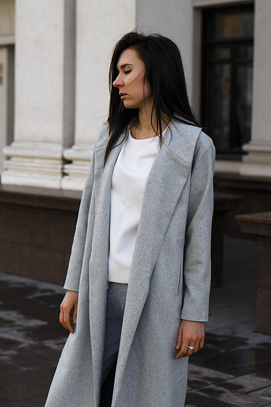 oversized_grey_coat_
