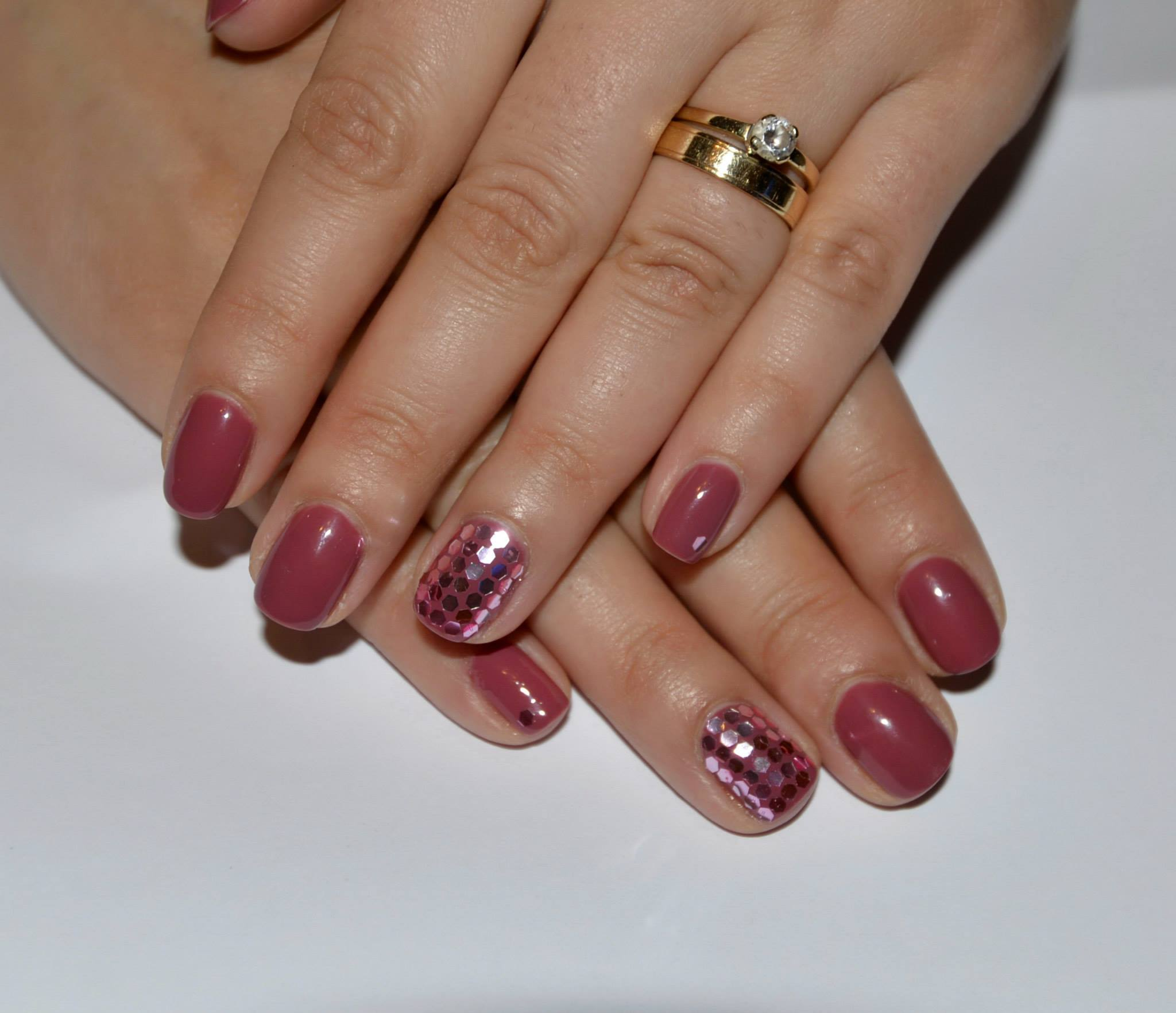 trends in nails for elegant ladies