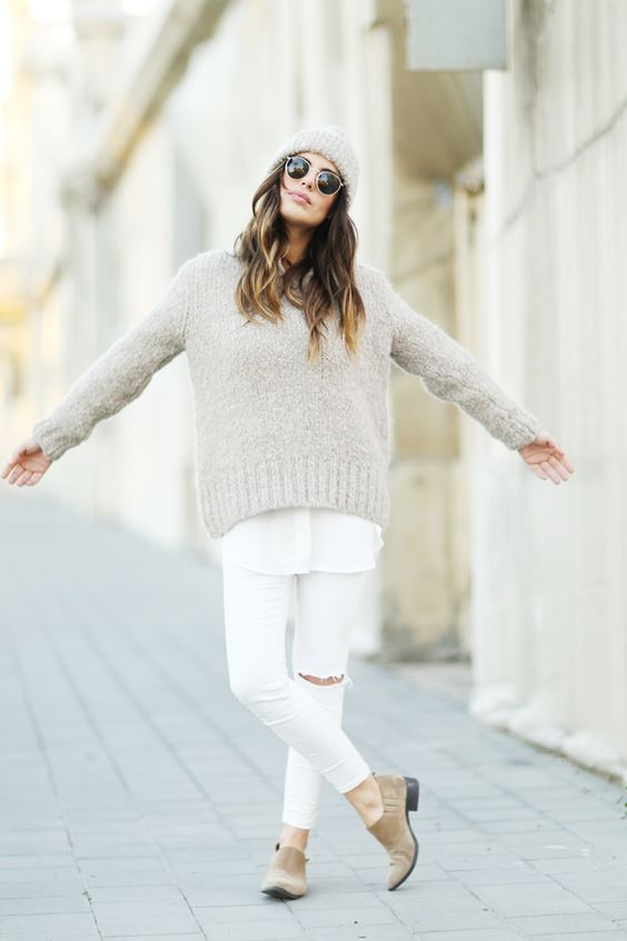 white pants and sweater for fall